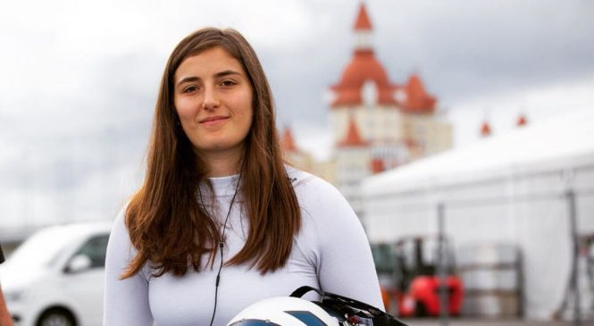 Tatiana Calderon prvič v dirkalniku F1