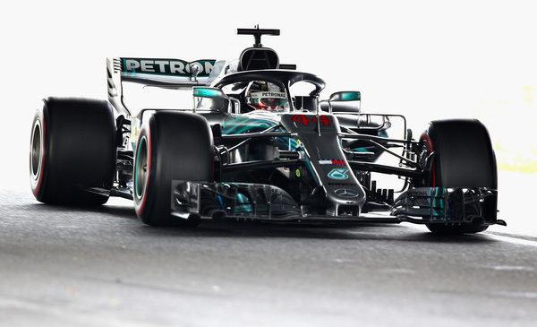 Hamilton tik pred Vettelom pred kvalifikacijami