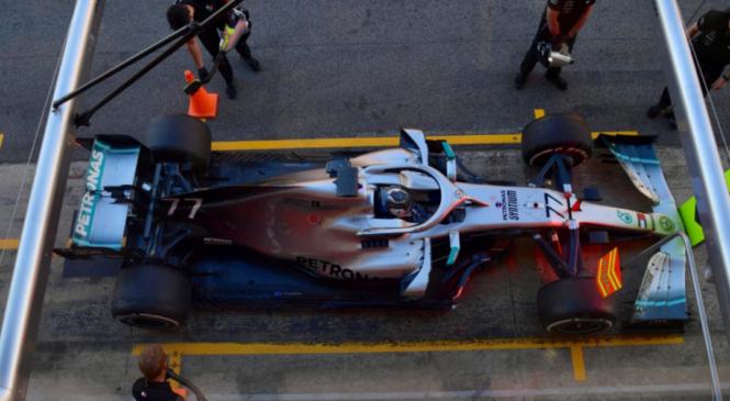 Bottas: Zaostajamo za Ferrarijem
