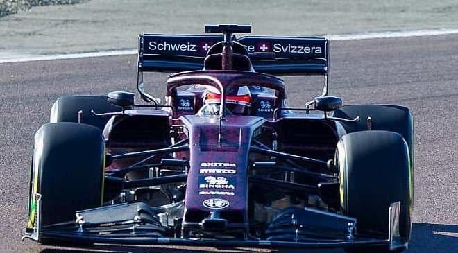 VIDEO: Raikkonen prvič za volanom nove Alfe Romeo F1