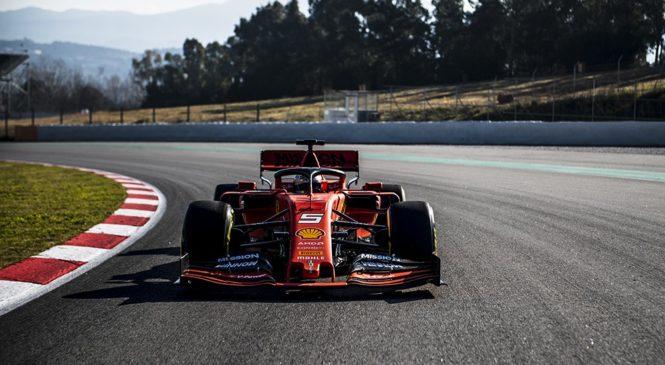 Vettel že odpeljal prve kilometre z novim dirkalnikom
