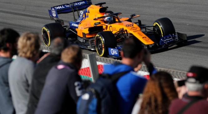 Sainz dopoldne na vrhu, težave Ferrarija
