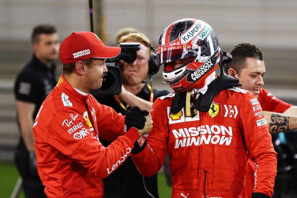 Formula 1: Sebastian Vettel čestita Charlesu Leclercu po prvem pole positionu v karieri
