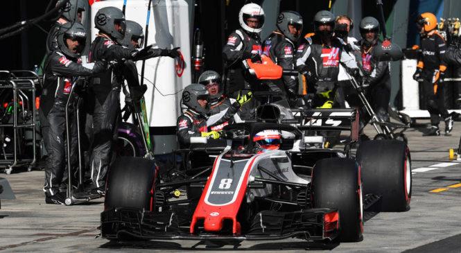 Pri Haasu pospešeno trenirajo menjavo pnevmatik