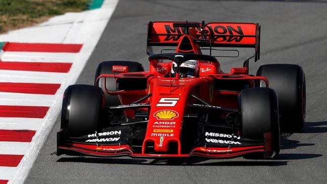 Dopoldne na vrhu Vettel, Mercedes se prebuja