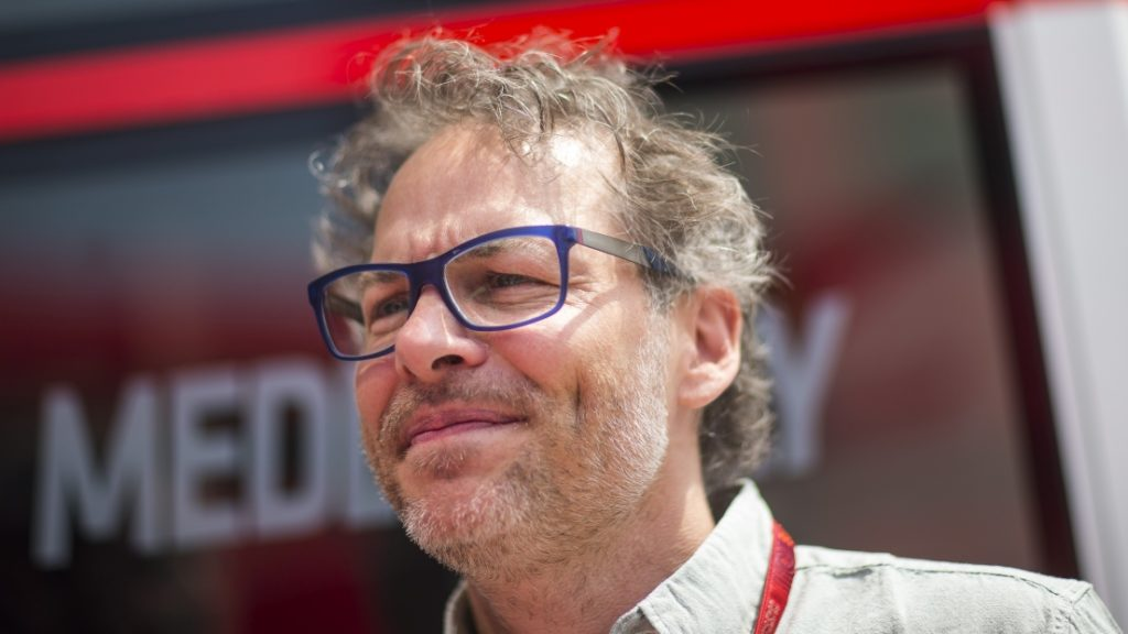 F1: Jacques Villeneuve meni da je Lewis Hamilton želel omalovaževati Charlesa Leclerca