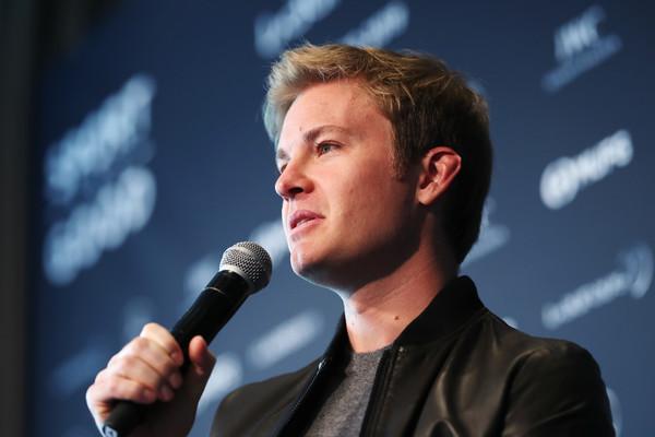 Formula 1: Nico Rosberg meni, da je za napako Charlesa Leclerca v Bakuju kriv Ferrari