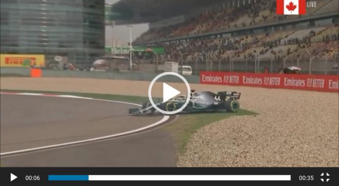 VIDEO: Hamilton drugi trening začel z vrtenjem v pesek