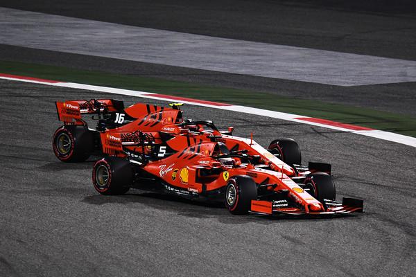 Formula 1: Ferrari je pripravljen favorizirati Charlesa Leclerca