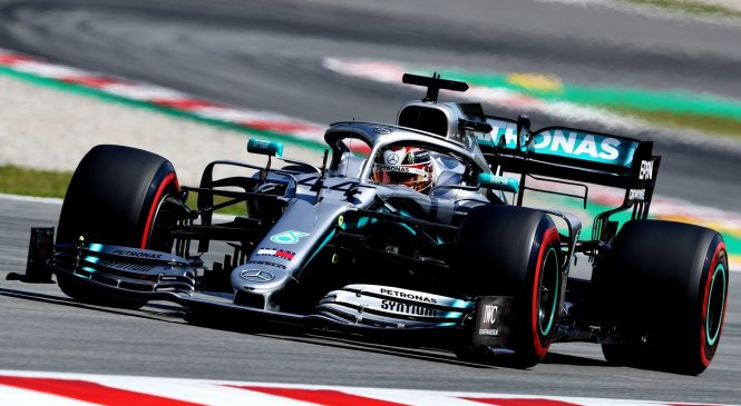 Hamilton dobil dirko v Španiji