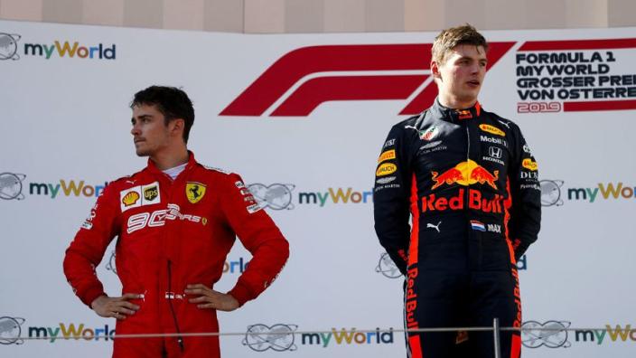 Max Verstappen in Charles Leclerc na odru za zmagovalce VN Avstrije 2019