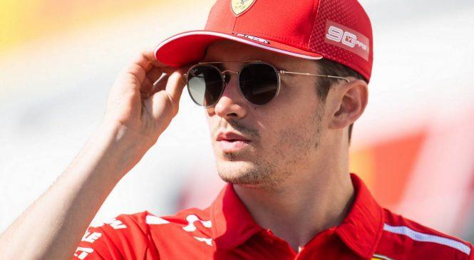Ferrarija na vrhu drugega treninga