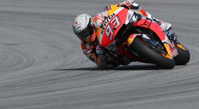 Marquez slavil v Barceloni, Lorenzo s padcem izločil tri dirkače