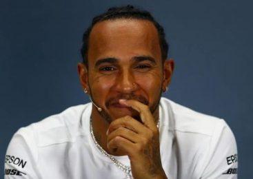 Hamilton do zmage v Silverstonu