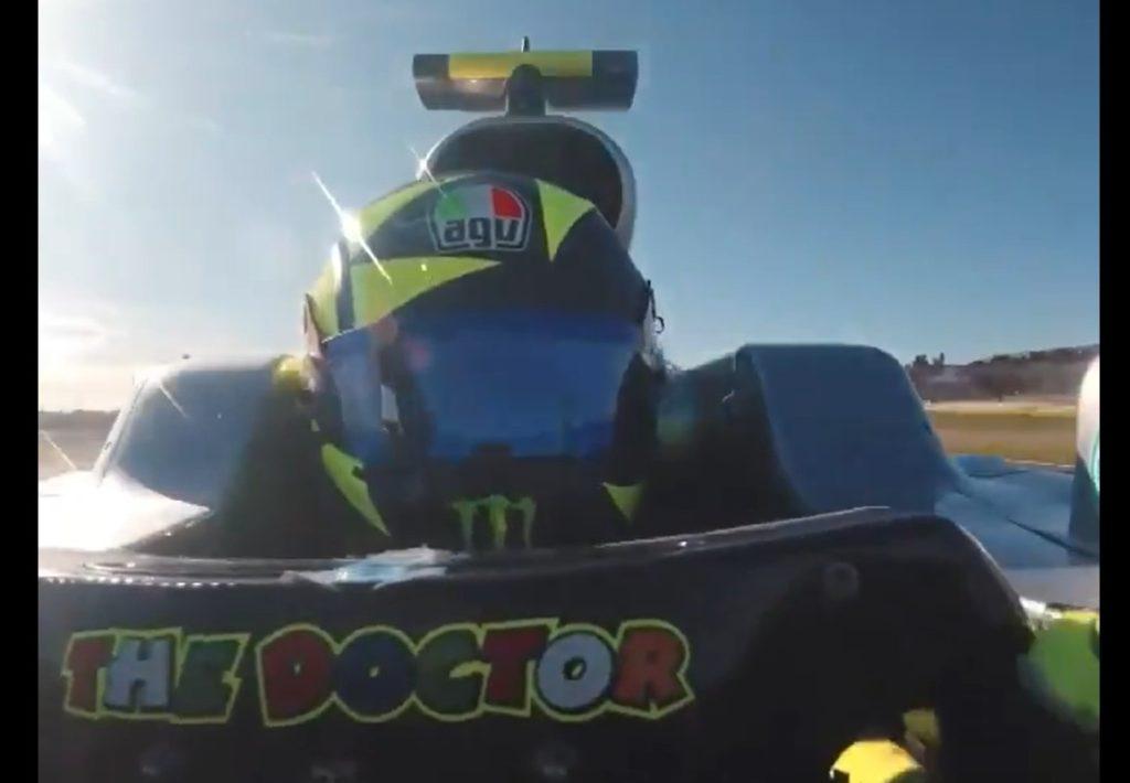 Valentino Rossi za volanom Mercedesovega dirkalnika F1