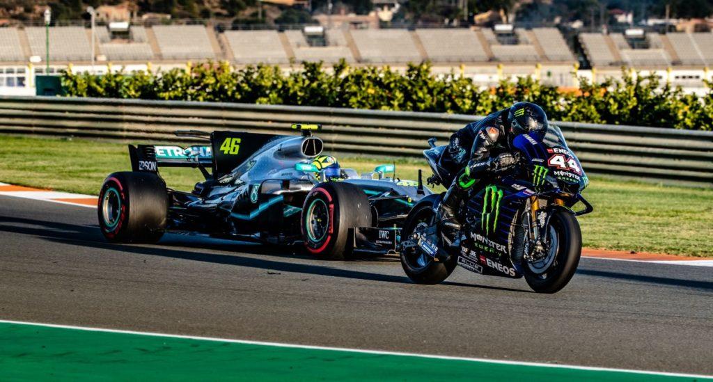 Valentino Rossi in Lewis Hamilton skupaj na stezi 2019