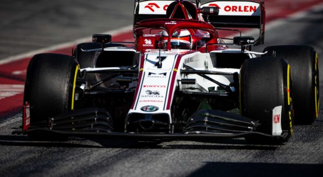 Raikkonenu drugi dan, Mercedes šokiral z nastavljivim podvozjem