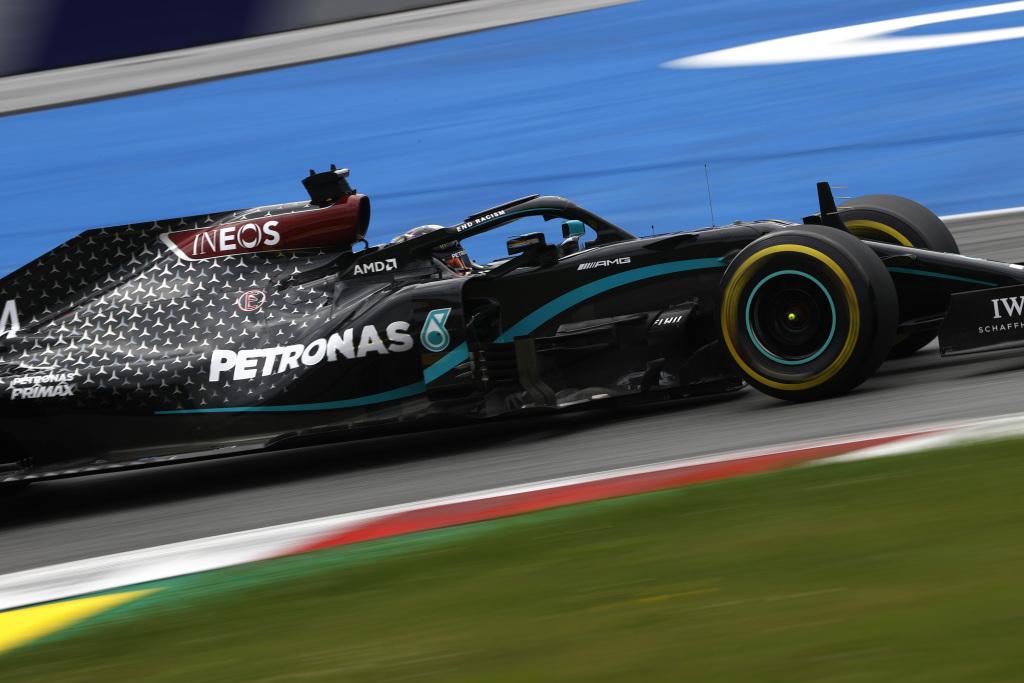 Ineos prevzema moštvo Mercedes