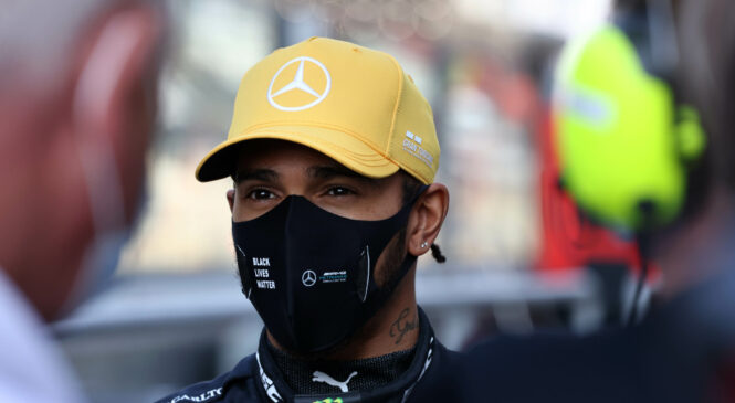 URADNO: Hamilton z Mercedesom še eno sezono