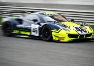 Rossi z ekipo VR46 do stopničk na Gulf 12 2021