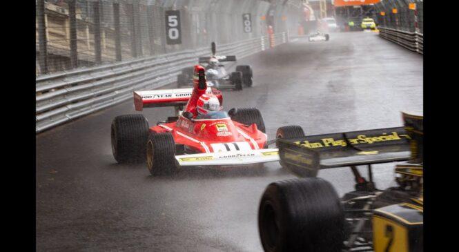 Alesi in Aronux po ulicah Monaka z zgodovinskim Ferrarijem 312B3 iz 1974