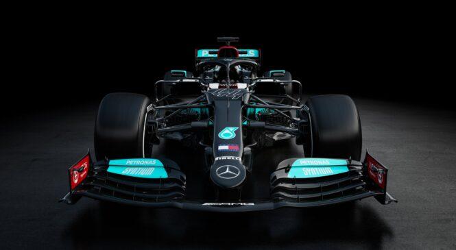 Mercedes bo snemalni dan opravil pred dirko v Bahrajnu