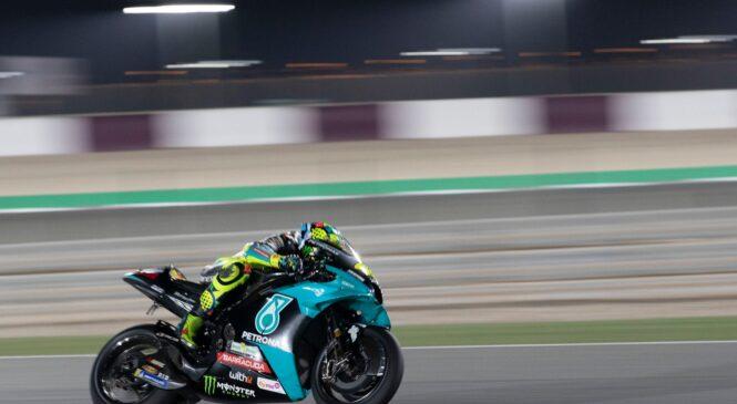 Valentino Rossi bi postal očka in dirkal še 2 sezoni