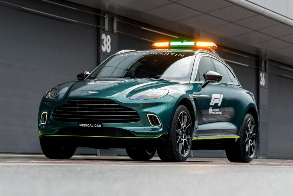 Luksuzni SUV Aston Martin DBX  bo skrbel, da zdravniško osebje kar najhitreje prispe na mesto nesreče.