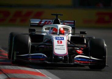 Mazepin poziva h kritikam vožnje Hamiltona