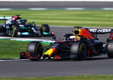 Red Bull vložil uradni zahtevek za ponoven pregled trčenja v Silverstonu