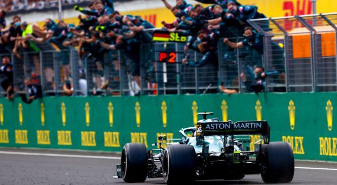 Vettel izključen iz dirke, Hamilton napredoval na 2. mesto