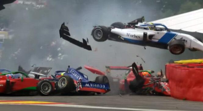 W Series: V trčenju šestih dirkalnikov dve voznici pristali v bolnišnici (video)
