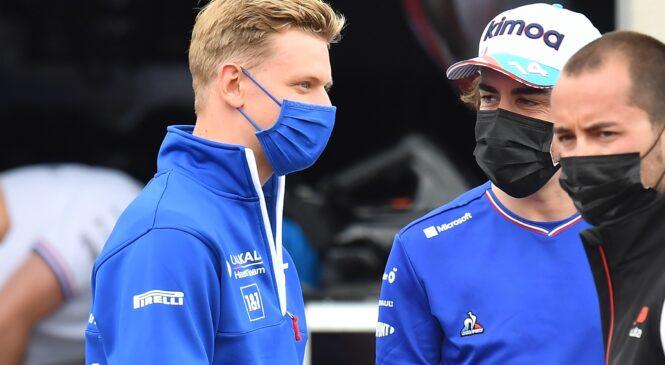 Fernando Alonso se opravičuje Schumacherju